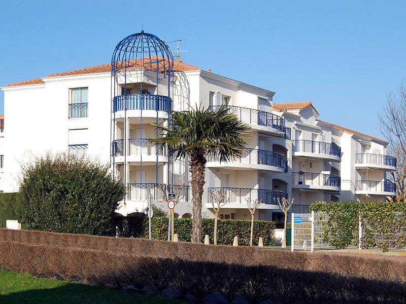 Les terrasses de pontaillac 1461739,Cuarto de hotel en Vaux-sur-Mer, Poitou-Charentes, Francia  con piscina privada para 4 personas...