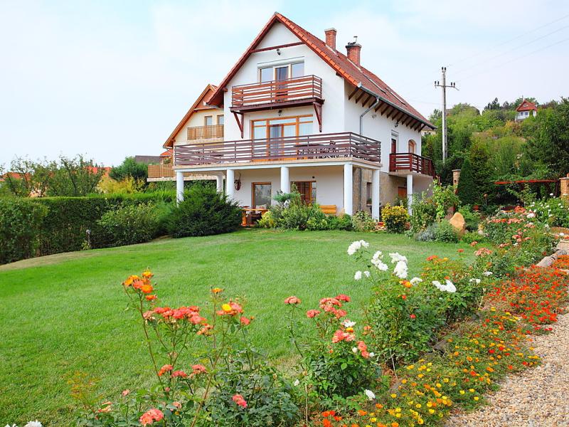 Balaton028 1469165,Casa rural en Balatonalmadi-Felsoors, Balaton Felvidek, Hungría para 6 personas...