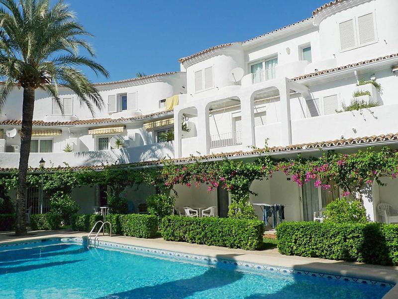 Urb oasis beach 1469285,Hotelkamer in Dénia, Alicante, Spanje  met privé zwembad voor 3 personen...