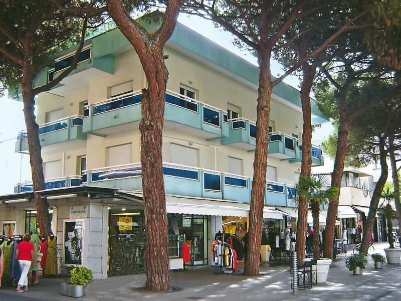 Azzurra 1469445,Cuarto de hotel en Riccione, Emilia-Romagna, Italia para 4 personas...