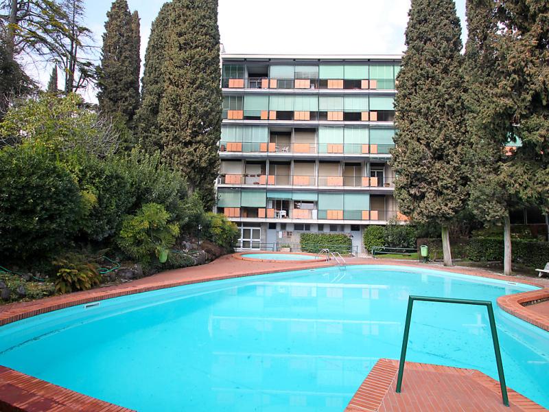 Rosabianca 1478872,Cuarto de hotel  con piscina privada en Gardone Riviera, Lombardia, Italia para 2 personas...