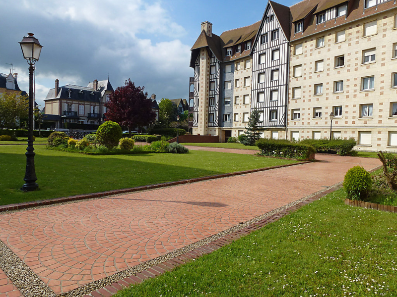 Castel guermante 1482334,Cuarto de hotel en Deauville, Calvados, Francia para 3 personas...