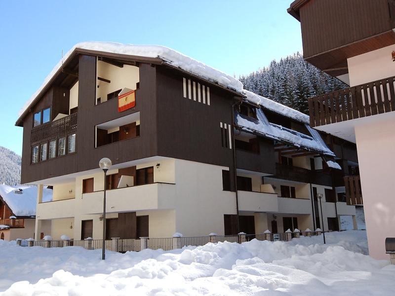 Des alpes 1482521,Cuarto de hotel en Canazei, Trentino-Alto Adige, Italia para 4 personas...