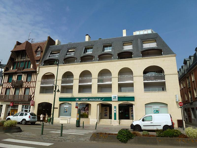 Port trouville 1482526,Cuarto de hotel en Deauville, Calvados, Francia para 2 personas...
