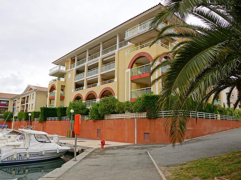 Lescale 2 1482855,Cuarto de hotel en Fréjus, en la Provenza, Francia para 4 personas...