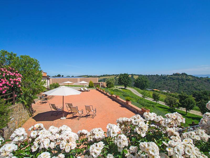 1482859,Casa rural  con piscina privada en Cinigiano, en Toscana, Italia para 5 personas...