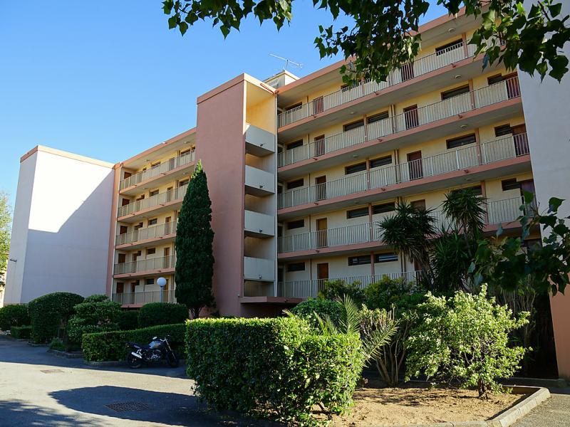 Les sables 1483053,Cuarto de hotel en Fréjus, en la Provenza, Francia para 4 personas...