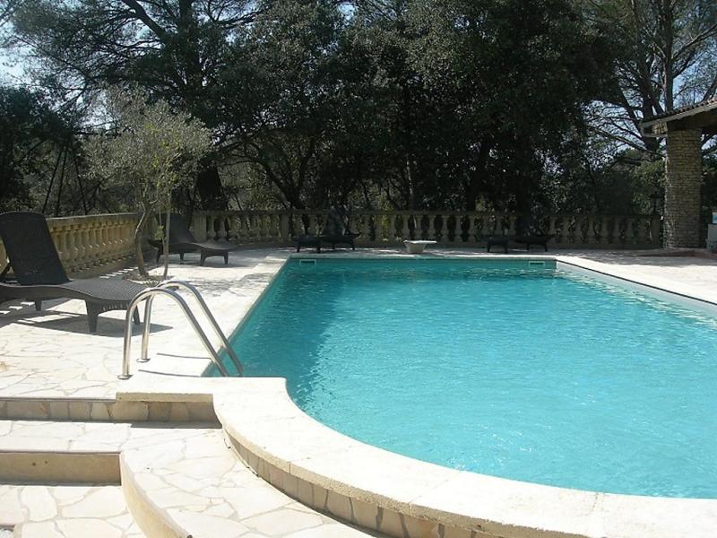 Le domaine dalzen 1483119,Casa rural  con piscina privada en Grans, Rhône, Francia para 5 personas...