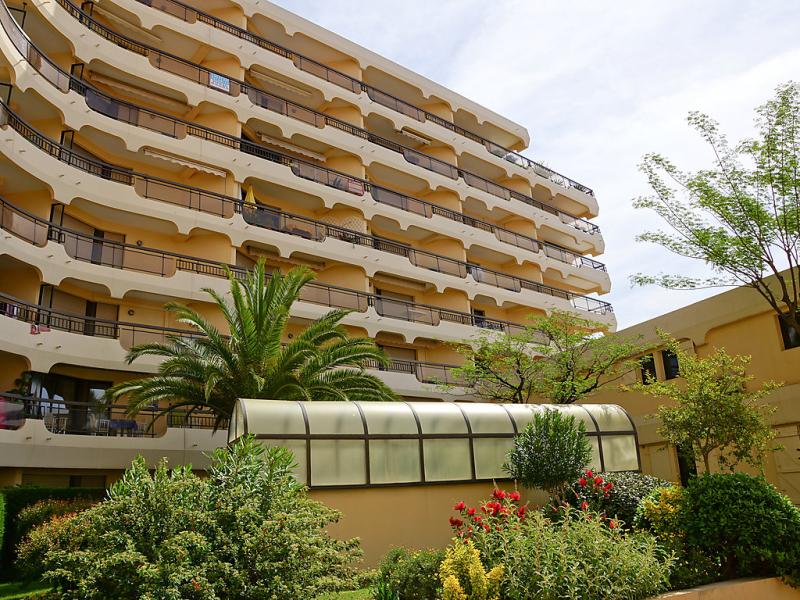 Acapulco 1483150,Cuarto de hotel en Fréjus, en la Provenza, Francia para 4 personas...
