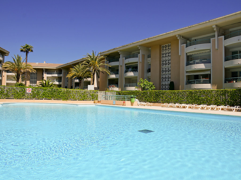 Le cesaree 1483454,Cuarto de hotel  con piscina privada en Fréjus, en la Provenza, Francia para 4 personas...
