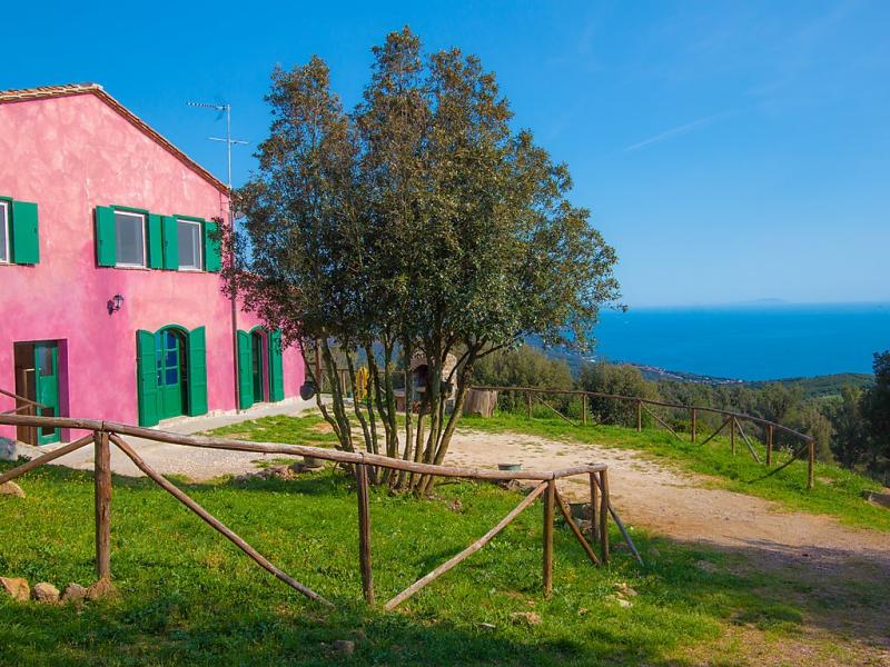Isole 1483899,Casa rural en Castiglioncello, en Toscana, Italia  con piscina privada para 8 personas...