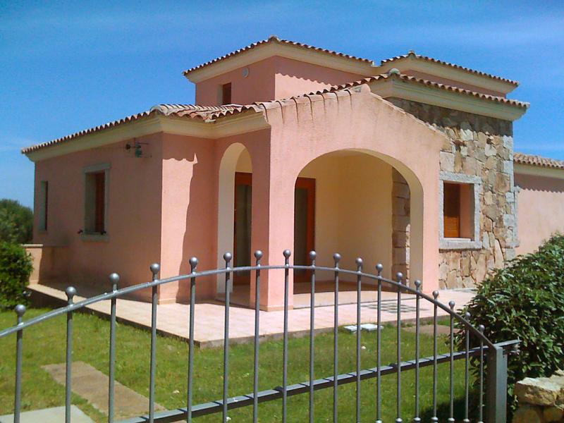 Citai trilo 6 1485495,Cuarto de hotel en San Teodoro, Sardinia, Italia para 6 personas...