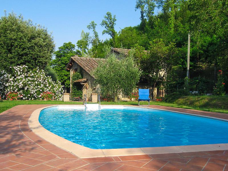1488133,Casa rural  con piscina privada en Volterra, en Toscana, Italia para 7 personas...