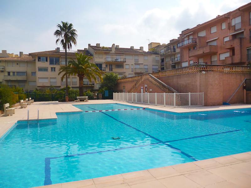 Hracles 1489246,Cuarto de hotel  con piscina privada en Saint-Tropez, Var, Francia para 3 personas...
