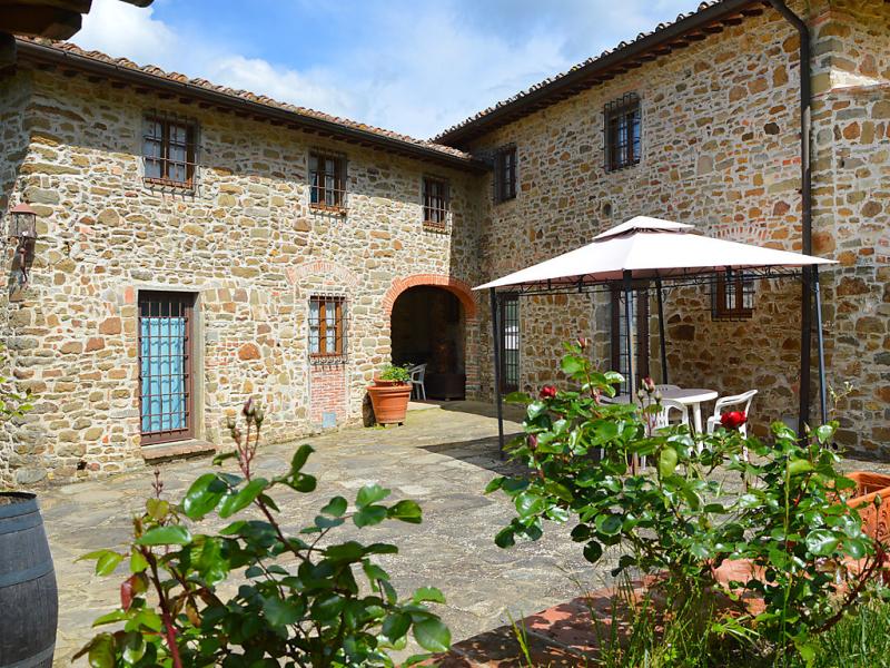 Rosa 1489250,Casa rural en Greve in Chianti, en Toscana, Italia  con piscina privada para 3 personas...