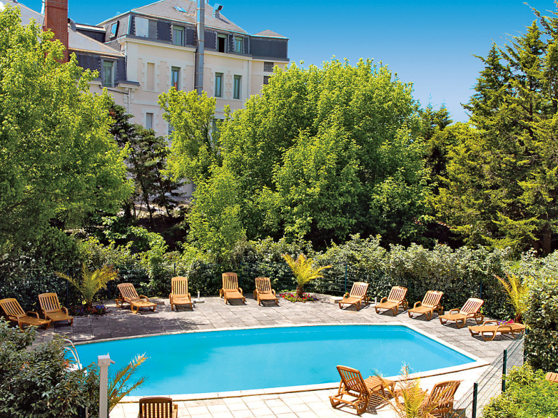 Villa rgina 1490863,Cuarto de hotel  con piscina privada en Arcachon, Gironde, Francia para 4 personas...