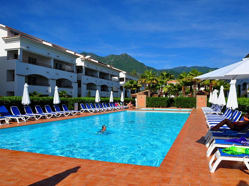 Orezza 1492046,Cuarto de hotel  con piscina privada en San-Nicolao, Corsica, Francia para 4 personas...