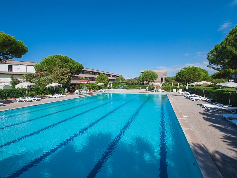 225 1492081,Cuarto de hotel  con piscina privada en Marina di Bibbona, Etruscan Coast, Italia para 4 personas...