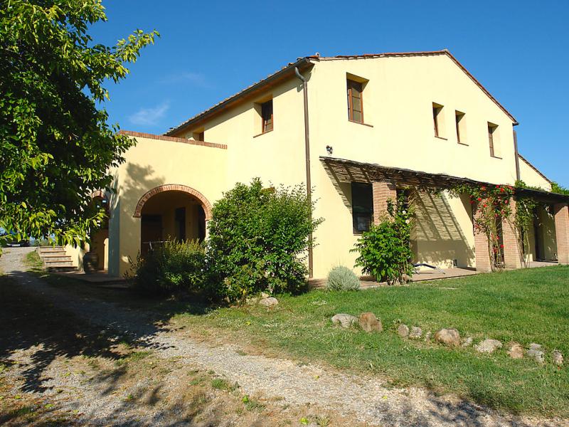 Podere la torre 1492221,Casa rural en Certaldo, en Toscana, Italia para 4 personas...