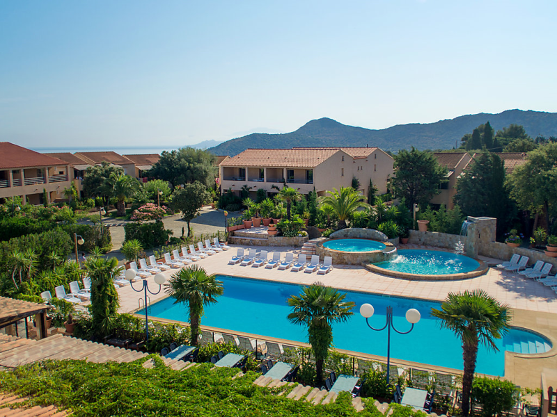 Benista 1493194,Cuarto de hotel en Monticello, Corsica, Francia  con piscina privada para 4 personas...