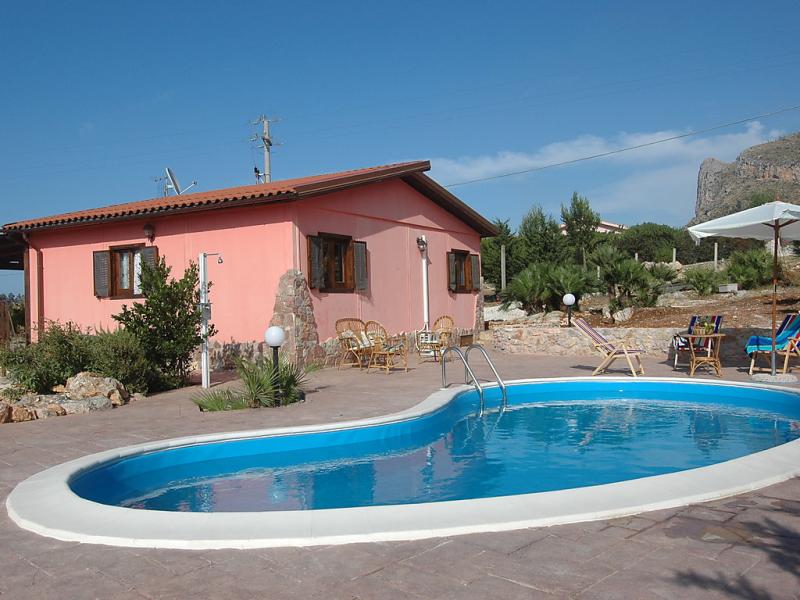 Rosada 1493254,Casa rural en Castellamare del Golfo, Sicily, Italia  con piscina privada para 4 personas...