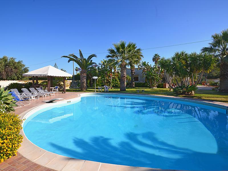 Villa alberta 1493989,Casa rural  con piscina privada en Fontane Bianche, Sicily, Italia para 10 personas...