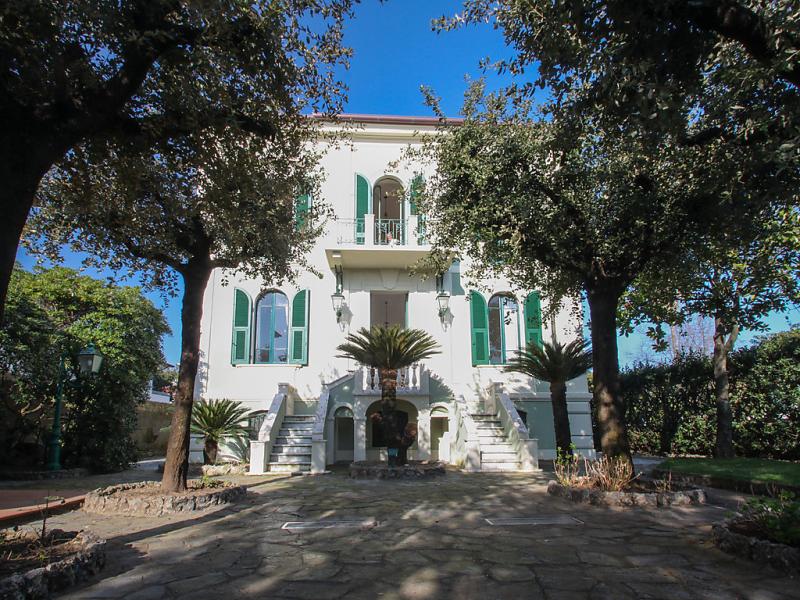 Villa nicodemi 1st floor 1494124,Apartamento en Marina Di Massa, Tuscany, Italia para 8 personas...