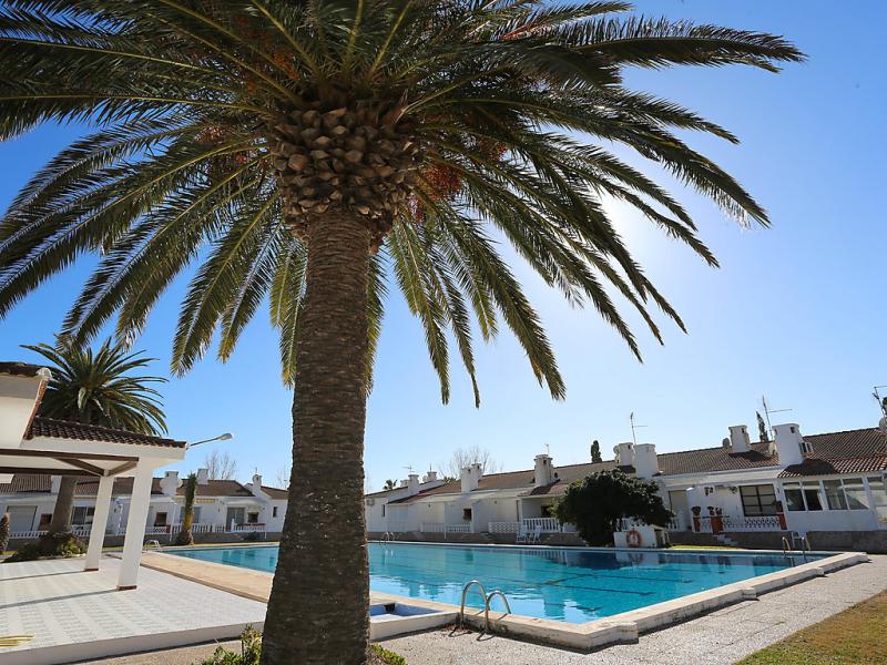 1494295,Casa rural  con piscina privada en Deltebre, Catalunya, España para 6 personas...