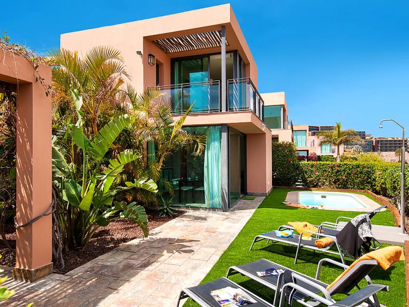 Villa los lagos 30 1494340,Casa rural  con piscina privada en Maspalomas, Gran Canaria, España para 4 personas...