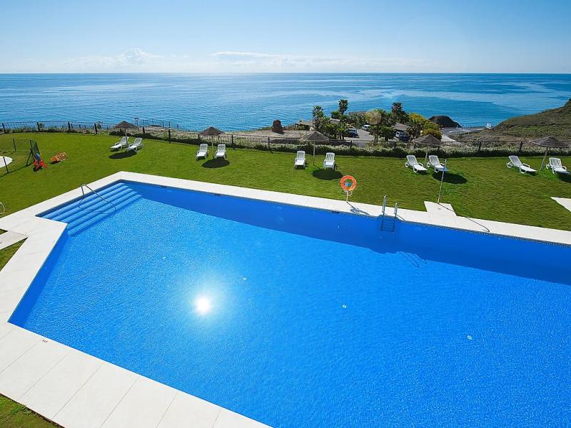Front seaview 1 bedroom in torrox 1494857,Apartamento  con piscina privada en Torrox Costa, Andalucía, España para 2 personas...