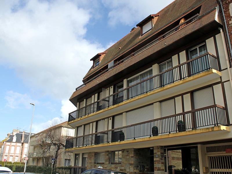 Les cigognes 1495117,Cuarto de hotel en Deauville, Calvados, Francia para 4 personas...