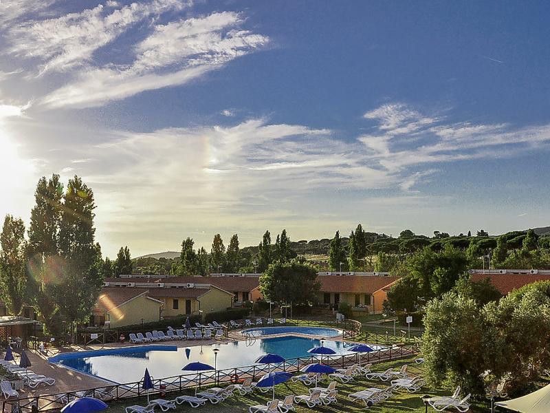 Mare 1495226,Apartamento  con piscina privada en Follonica, en Toscana, Italia para 6 personas...