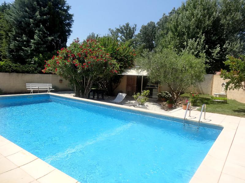 Mas madelon 1495447,Casa rural  con piscina privada en Noves, Rhône, Francia para 4 personas...