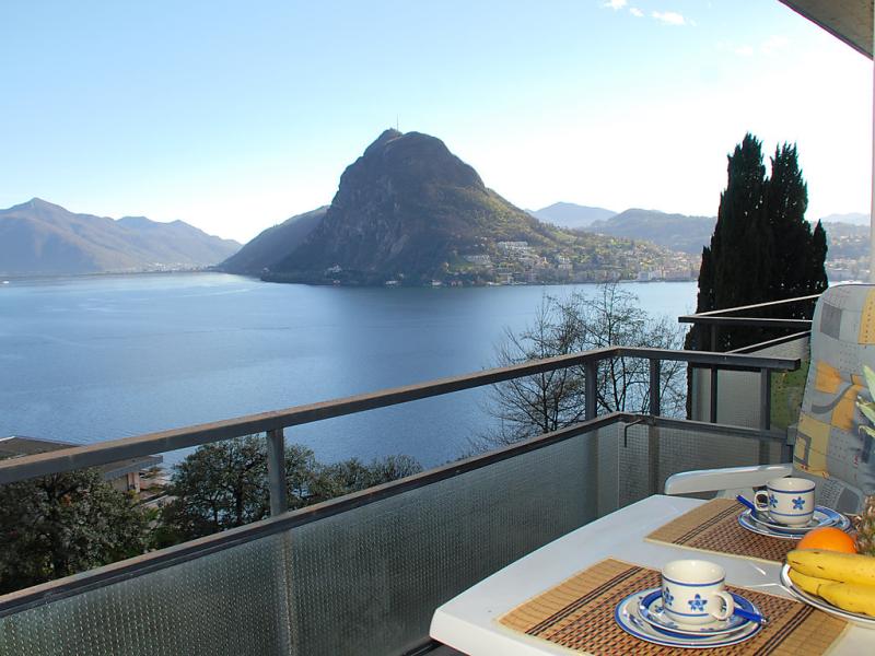 Condominio san michele 1495760,Apartamento  con piscina privada en Castagnola, Ticino, Suiza para 2 personas...