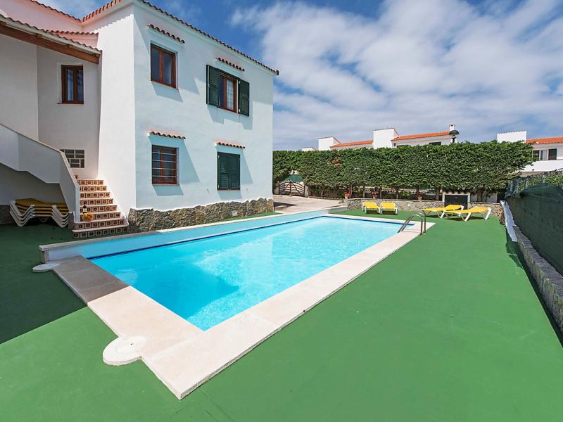 Ullastres 1496542,Apartamento  con piscina privada en Arenal d'en Castell, Minorca, España para 4 personas...