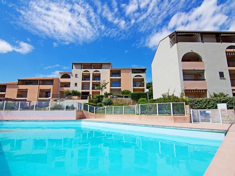 Le domaine de la gaillarde 1496894,Cuarto de hotel en Les Issambres, en la Cote d'Azur, Francia  con piscina privada para 4 personas...