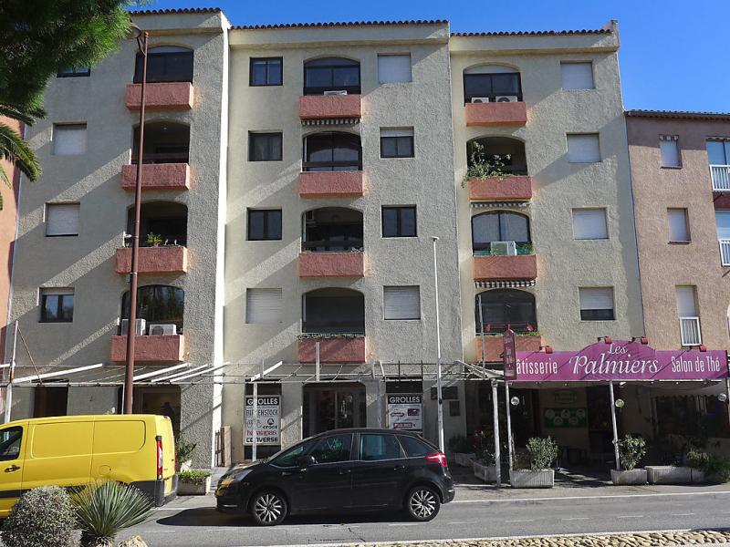 Les myrthes 1497317,Cuarto de hotel en Saint-Aygulf, Var, Francia para 4 personas...