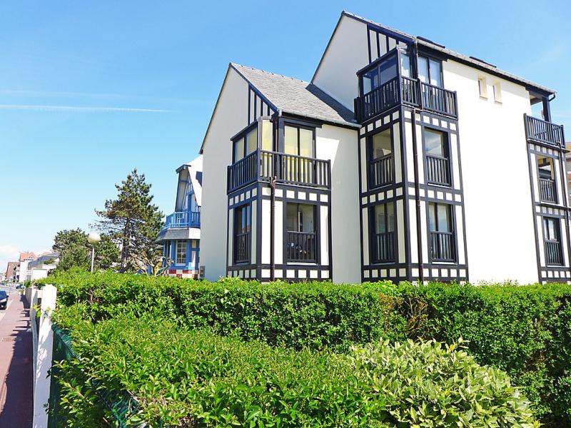 Kennedy 1497352,Cuarto de hotel en Villers-sur-Mer, Normandy, Francia para 2 personas...