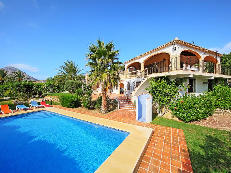 Kes 1497476,Casa rural  con piscina privada en Jávea, en la Costa Blanca, España para 12 personas...