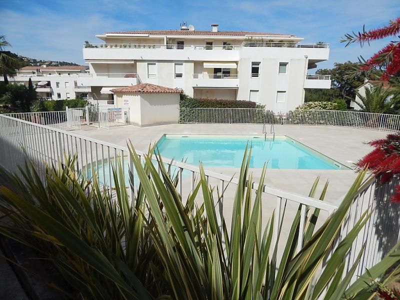 Cap marine 1497885,Cuarto de hotel en Cavalaire-sur-Mer, Provence-Alpes-Côte d'Azur, Francia  con piscina privada para 4 personas...