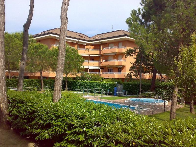 Condominio primavera 1497982,Apartamento en Lignano, Friuli-Venezia Giulia, Italia  con piscina privada para 5 personas...