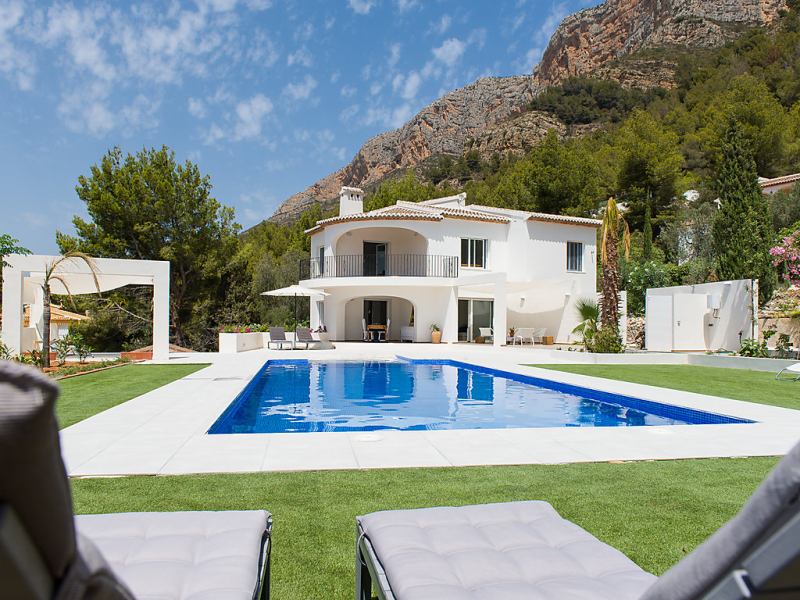 Ava 1498551,Casa rural en Jávea, en la Costa Blanca, España  con piscina privada para 8 personas...
