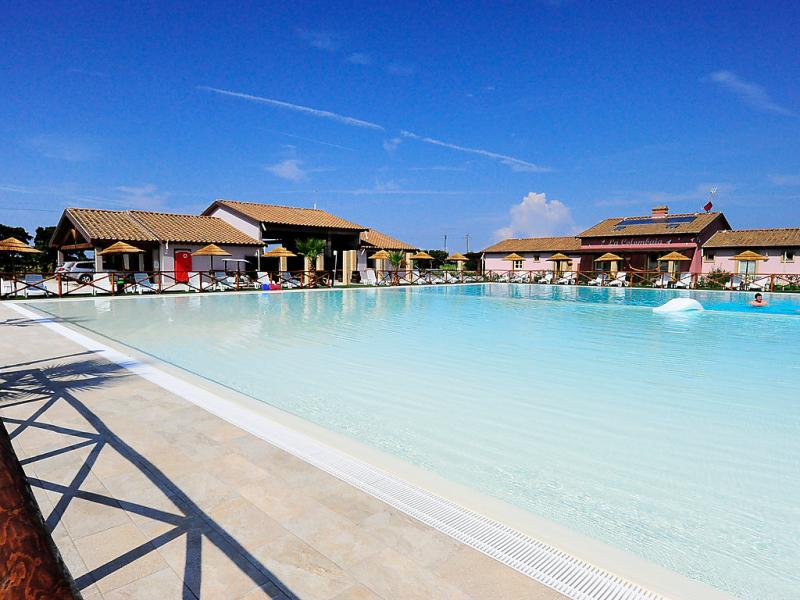 Fattoria palazzeta bilo 4 ds 1498672,Cuarto de hotel en Cecina, en Toscana, Italia  con piscina privada para 4 personas...
