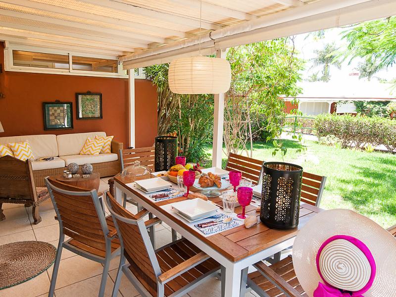 Top deluxe bungalow in maspalomas 1499182,Apartamento en Maspalomas, Gran Canaria, España  con piscina privada para 4 personas...
