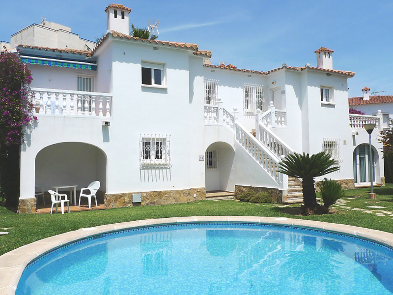 Club sevilla i 1499362,Apartamento en Oliva, en la Costa Blanca, España  con piscina privada para 4 personas...