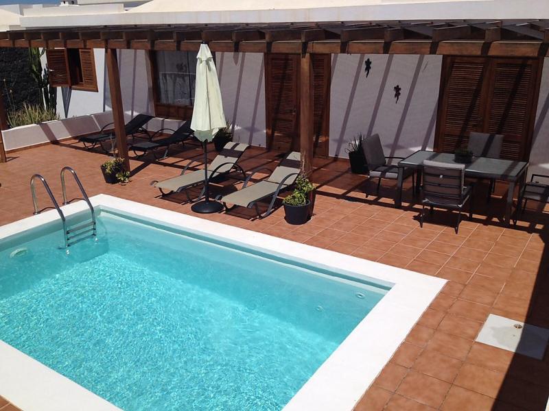 Villa paula 1499463,Casa rural  con piscina privada en Playa Blanca, Lanzarote, España para 6 personas...