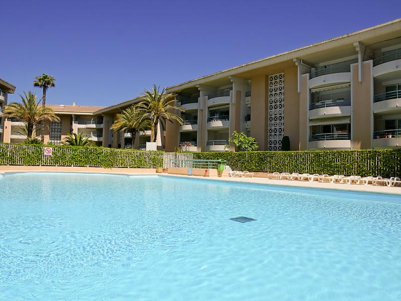 Le cesaree 1499825,Cuarto de hotel  con piscina privada en Fréjus, en la Provenza, Francia para 4 personas...
