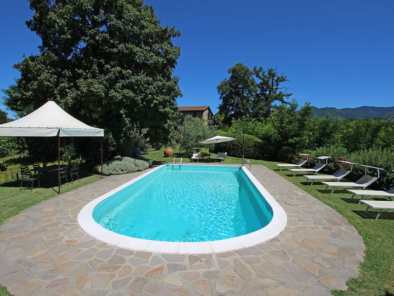 La forra 1499930,Villa en Vicchio, en Toscana, Italia  con piscina privada para 12 personas...