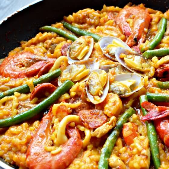 HOW TO COOK A PAELLA