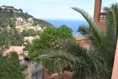 Ginesta begur costa brava casa pareada con vistas al mar y piscina comunitaria dispone de wifi y garaje